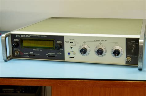 HP 8443A 110MHz tracking generator - Apró
